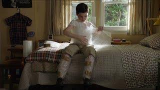 Young Sheldon wraps himself in BUBBLE WRAP - Young Sheldon S01E17