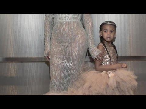 4 Year Old Blue Ivy Joins Beyonce at VMAs Wearing 11 000 Dress