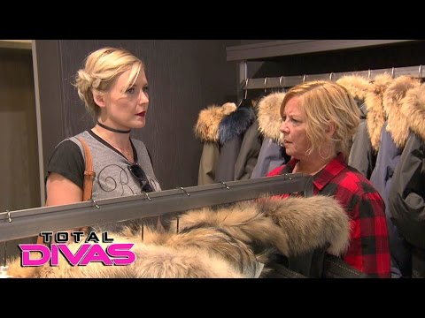 Renee Young tells her mom she's unhappy with Dean Ambrose's behavior: Total Divas, Jan. 25, 2017