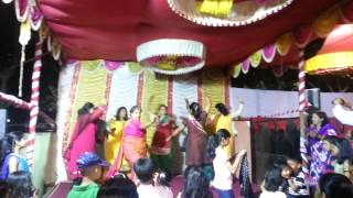 Deepti and her desi girls dance during sangeet for Anish Latkar's munja