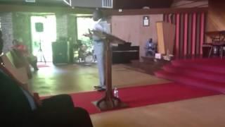 Dr Figaro dans son sermon, l eglise adventiste de Patmos!