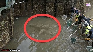 قاموا بتطهير  قناة عمرها 200 عام -  ما وجدوه فى القاع شىء لا يصدق !!