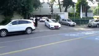 Bollywood - Party at Abhishek Bachchan - Expensive cars.flv