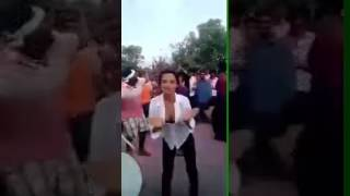 Chuchi khol kar dance kiya