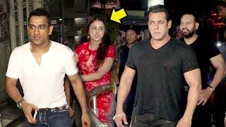 MS Dhoni और Sakshi की शानदार एंट्री Salman Khan के सामने Race 3 Movie REVIEW ग्रैंड Show पर