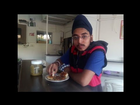 New Raju Omelette Center-Baroda INDIAN STREET FOOD VLOGS PART-2