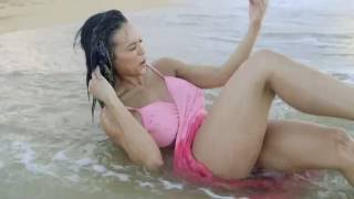 Hot Bikini Model Knocked out by Wave