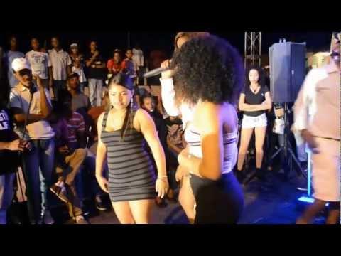 Farah y Baby Ton Ponen A Todos A Mover La Chapa Pa La Mujeres Cena Climet Music.