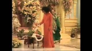 SRI SATHYA BABA BHAJAN.. .RAMA RAMA CHARANA SUKHADAYI BHAJO