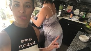 COOKING IN THE KITCHEN | VISIT WITH MOM AND LITTLE SISTER PT.1