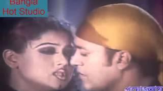 ময়ূরীর পাছা চাপলো নায়ক  Moyori Gorom Mosalla1 / Bangladeshi Masala Songs