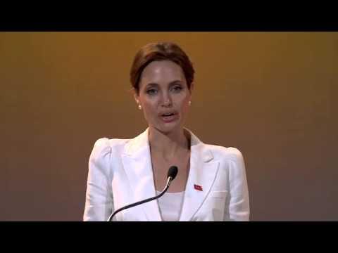 Xxx Mp4 Angelina Jolie And William Hague Open London Summit On Rape In War Zones 3gp Sex