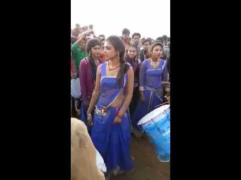 Desi girl dance hot and sexy dance 2017