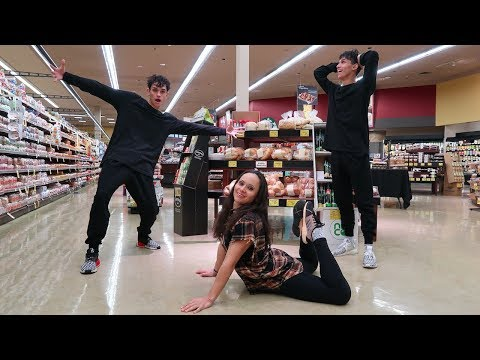 DOING CRAZY DARES WITH OUR MOM