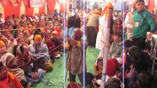 Kabhi Fursat ho to Jagdambe Nirdhan Ke Ghar bhi aa Jana ...Ravi Kanchan And Parti