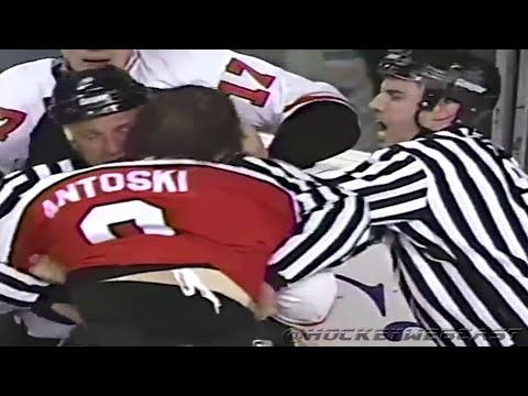 Matthew Barnaby vs Garth Snow - Flyers vs Sabres Line Brawl 1996 (High Quality)