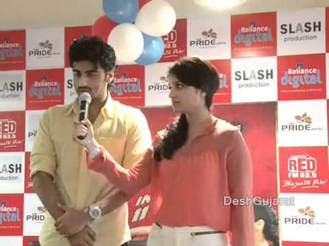 Xxx Mp4 Parineeti Chopra And Arjun Kapoor Promoting Ishaqzaade In Ahmedabad 3gp Sex