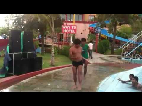 Xxx Mp4 Funny Dance By Boys At Water Park💃 3gp Sex
