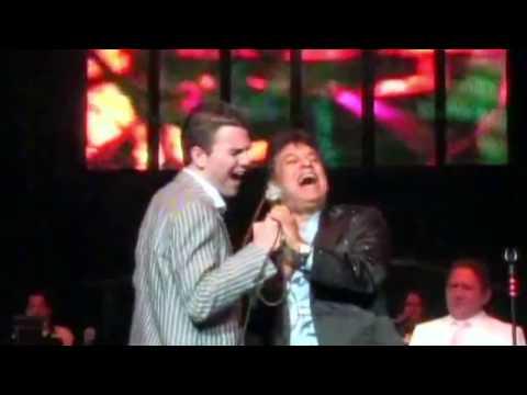 Juan Gabriel apadrina a Jas Devael en Las Vegas