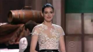 Anne Hathaway sings