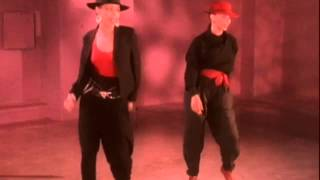 "MEL & KIM ""Showing Out (Get Fresh At The Weekend)"" [Album Version]"