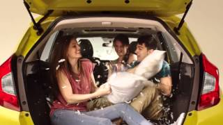 2015 Honda Fit - Pillow Fight Commercial