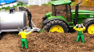 BRUDER RC tractor TROUBLE! Toys action | Video for kids