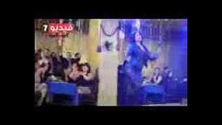 بالفيديو   شاكيرا ترقص بشعار  خمسة  على أنغام أغنية  سى السيد  بفيلم نهاية صيف