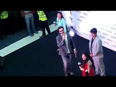Hritic Roshans Dance  | With his Fans  |LULU INTERNATIONAL HYPER MARKET |
