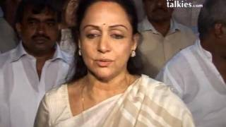 Hema Malini:' I STILL feel that DEV ANAND is with us!'
