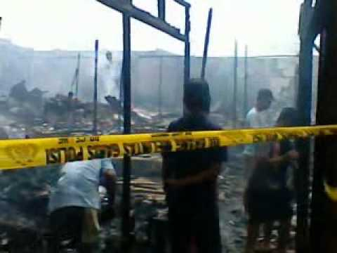 hantu KUYANG ikut melihat kebakaran Pasar Sari Mulya Kuala Kapuas Kalteng 7 Januari 2012