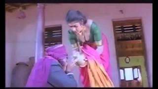 Hot Telugu Wife Desi Boobs Exposed Cleavage Clip