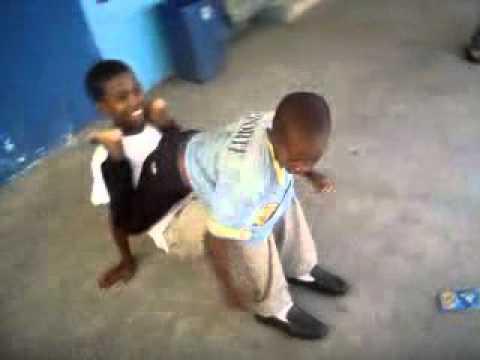 el liro bailando dembow