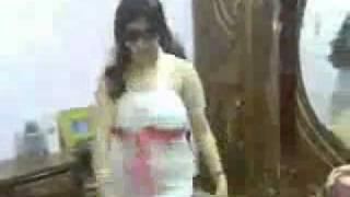 رقص بلدي ناعم بقميص النوم جنسي سكسي جامد