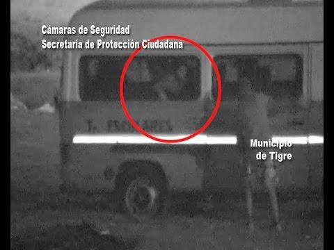 El COT sorprendió a cuatro ladrones robando objetos de una combi escolar