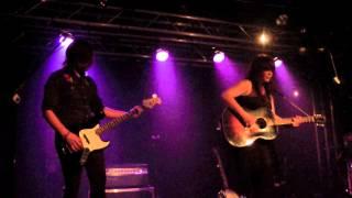 Lisa Leblanc - My girl (Nirvana cover) / Câlisse-moi là   Live @ La Boule Noire (Paris, France)