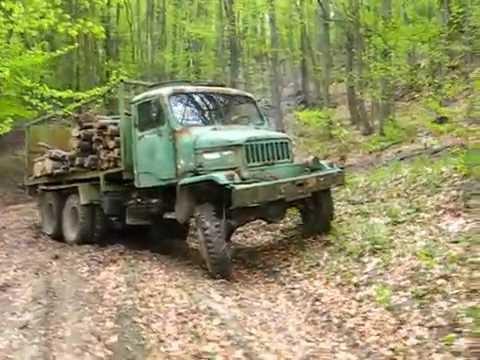 Praga V3S v lese