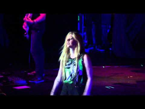 Girlfriend - Avril Lavigne @ Belo Horizonte 02/08/11
