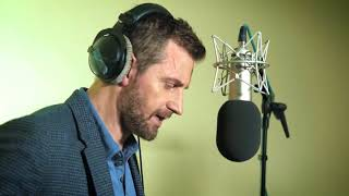 Behind the scenes with Richard Armitage as he performs 'Dr Jekyll and Mr Hyde'