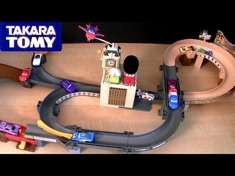 Tomica London Action Circuit WGP Playset Cars 2 Takara Tomy Disney Pixar review World Grand Prix