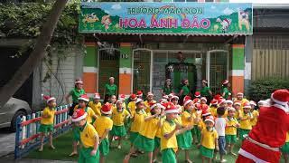 Mam non Hoa Anh Dao nhay Jingle Bells 2017