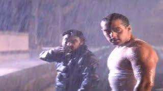Salman Khan In Action Scene At Railway Station - Auzaar Movie Scenes