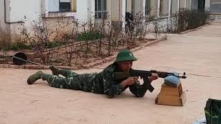 Hướng dẫn tư thế nằm bắn súng tiểu liên AK47