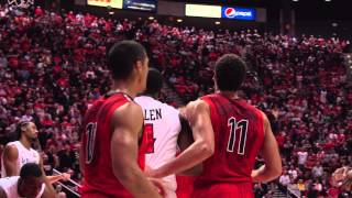 Aaron Gordon soaring dunk off an inbounds pass from T. J. McConnell to put away the Aztecs