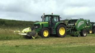 John Deere one pass cutting and baling silage
