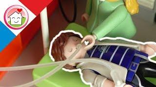 Playmobil en français Papa a mal au ventre - La famille Hauser