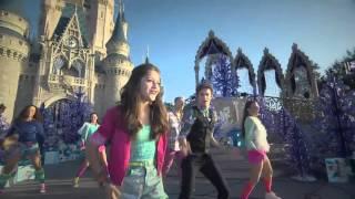 Soy Luna   Karol y Ruggero cantano Alas a Disneyland