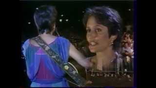 Concert live de Joan Baez à Paris en 1983