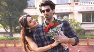 Aditya-Katrina Play Hide & Seek | Bollywood News