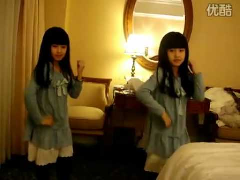 cute chinese girls dancing cover Gee
